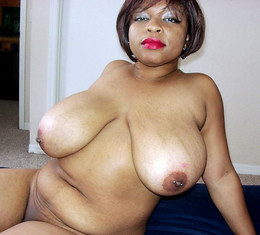 Sexy black BBW Keama Kim measures her..