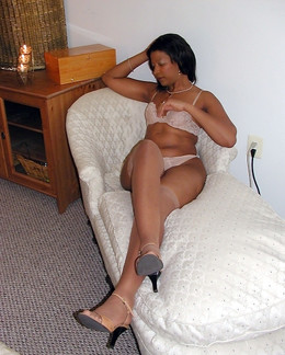 Tempting ebony mature ladies posing..