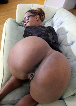 Nice-looking black milf, she has a..