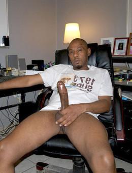 Amateur black guys show their big..